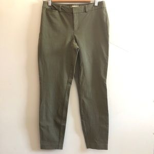 Maison Jules pants in olive green size 6